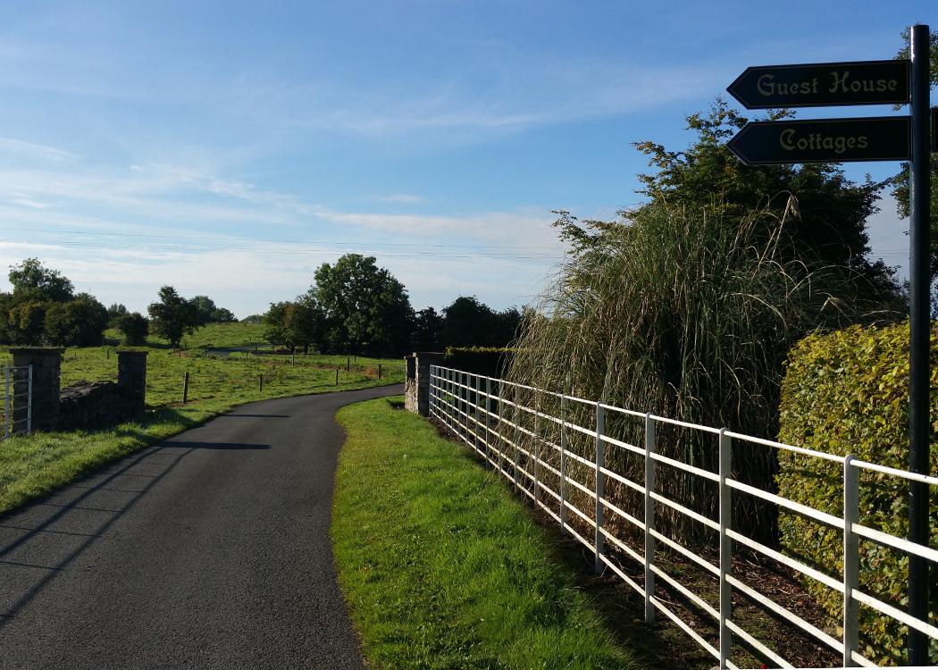 2-Boyne-View-Signs-start-of-lane