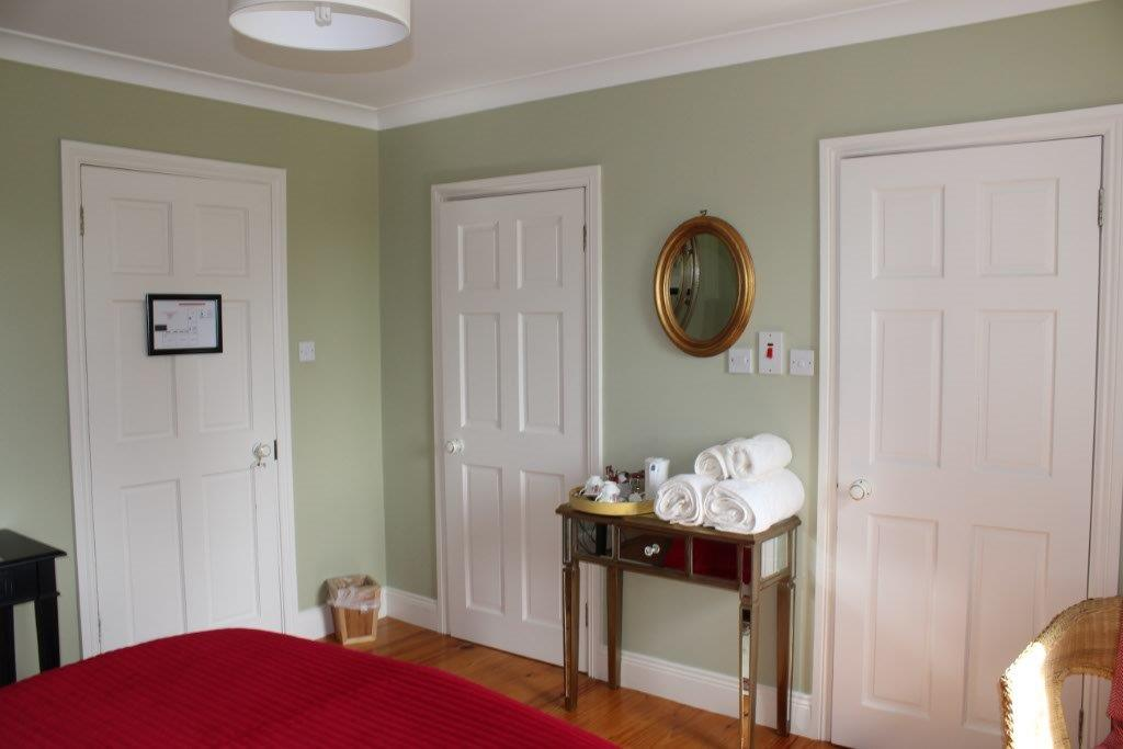 Boyne-View-Bed-and-Breakfast-Dylans-Room-3