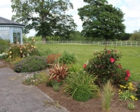 Boyne-View-Bed-and-Breakfast-Exterior-Flower-Beds-4