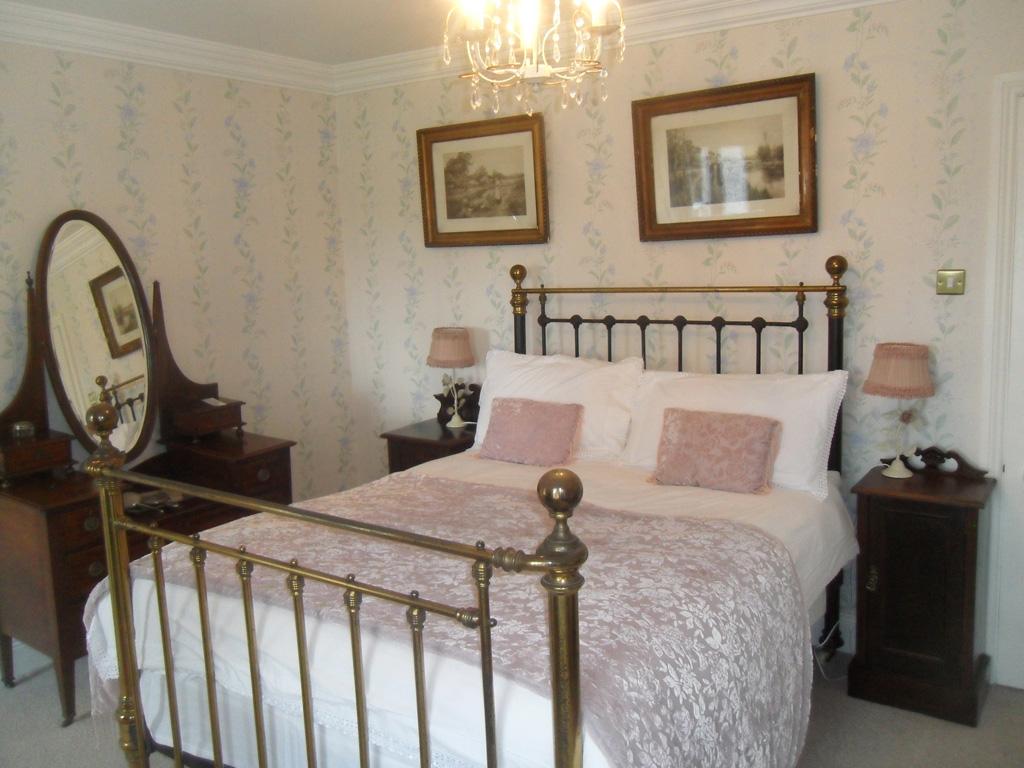 Grannys Room 2