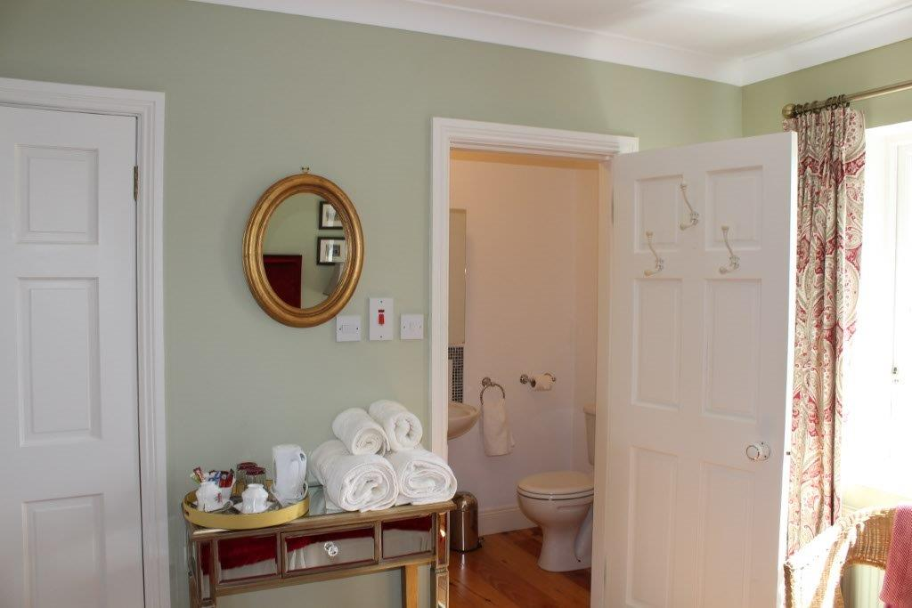 Boyne View Bed and Breakfast Green Room with ensuite