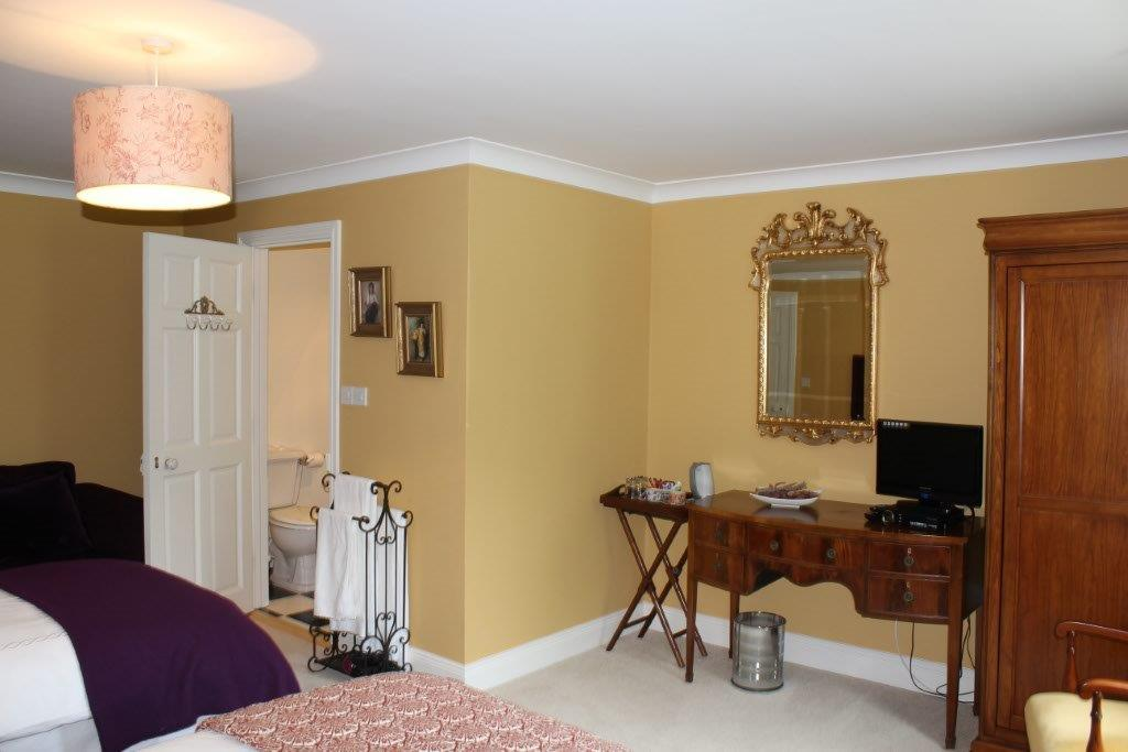 Boyne View Bed and Breakfast Gold Room