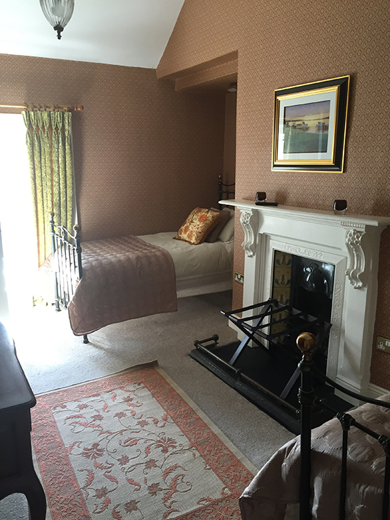 Boyne View Bed and Breakfast. Trim, Meath Billy and Jims room