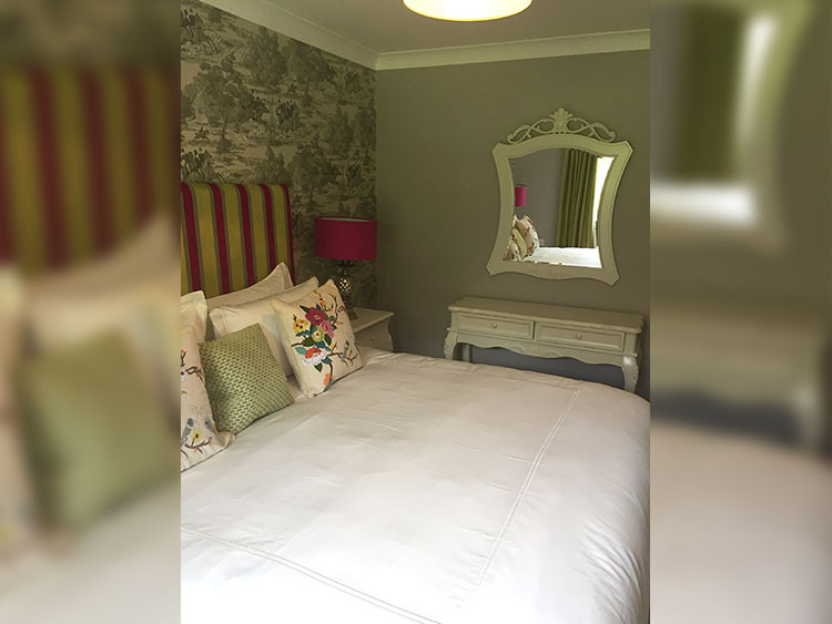 Boyne View Bed and Breakfast Trim Meath cottage bedroom view away from window