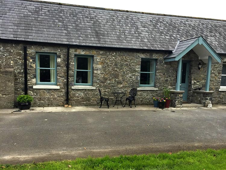 Boyne-View-Bed-and-Breakfast-Trim-Meath-Wedgewood-Cottage-1Front